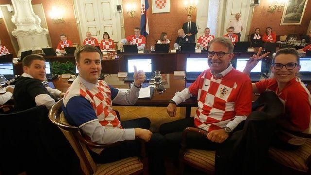 Hırvatistan'da 'millî formalı' hükûmet toplantısı