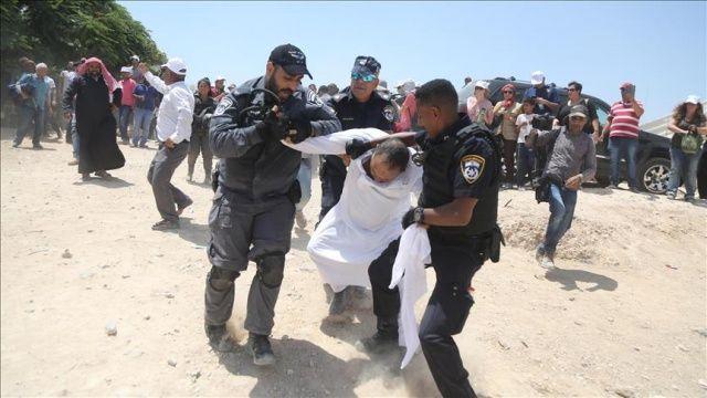 İsrail askerleri, 7 Filistinliyi gözaltına aldı