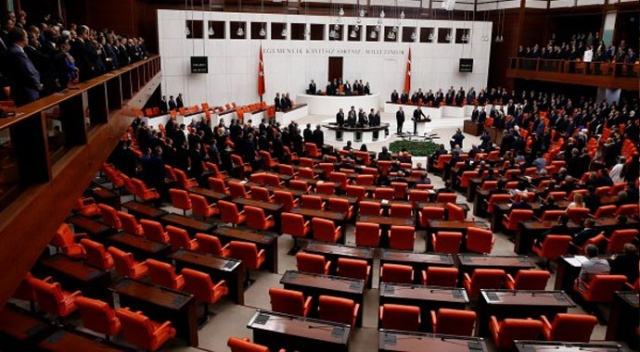 Meclis'te CHP sıraları boş kaldı