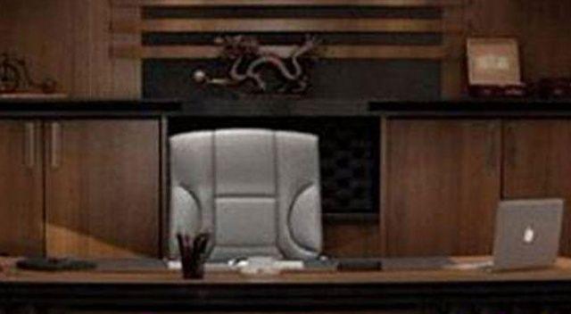 Belediye Başkanının makam koltuğu haczedildi