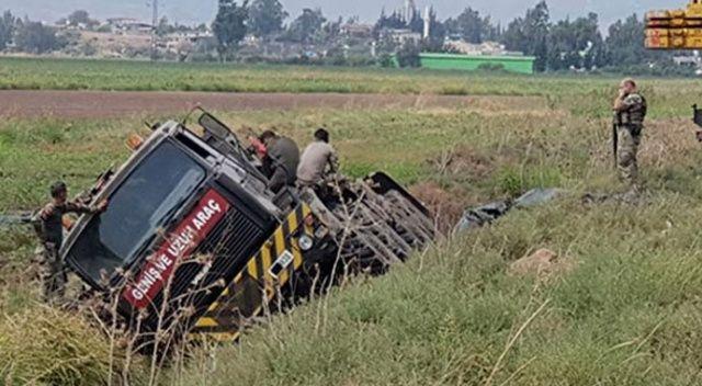 Hatay'da tank taşıyan askeri araç devrildi!