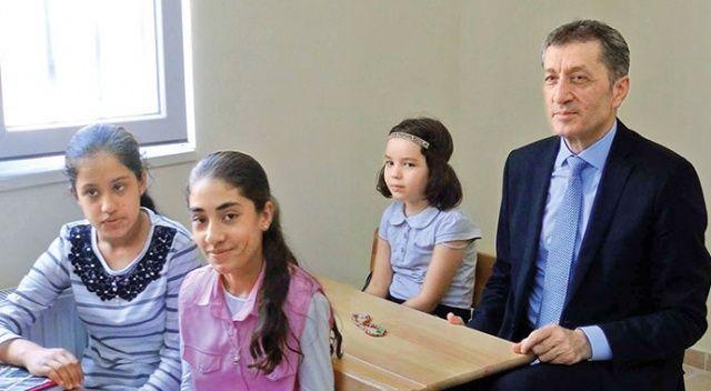 Millî  Eğitim Bakanı Ziya Selçuk: Artık ani sistem değişikliği olmayacak