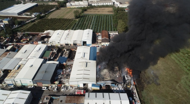 Bursa'da plastik geri dönüşüm tesisinde yangın çıktı