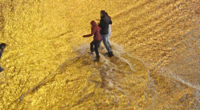 Denizli'de sağanak yağmur hayatı olumsuz etkiledi