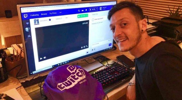 Mesut Özil Twitch'te yayına başlıyor