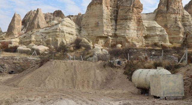 Kapadokya'da şoke eden manzara! Kaçak binanın üzeri toprakla örtüldü