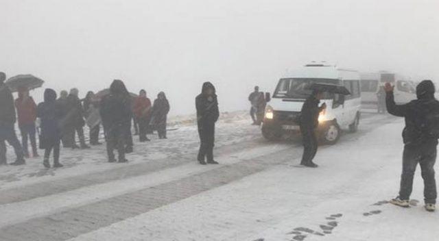 Nemrut Dağı'nda tipi! Turistler tahliye edildi