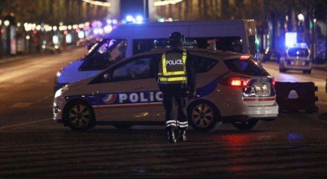 Paris'te bir araçta kalaşnikof ve roketatar bulundu