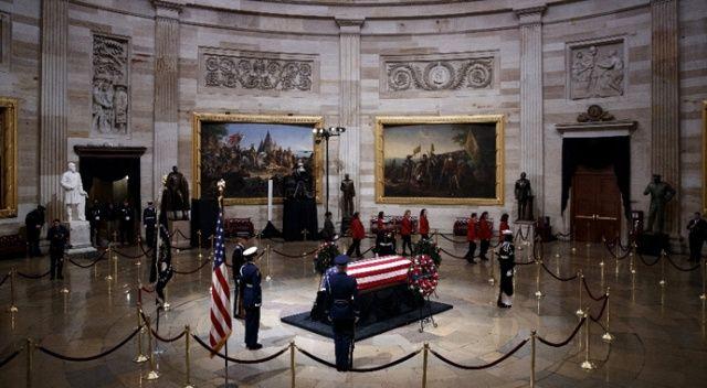 ABD, baba Bush'a veda ediyor