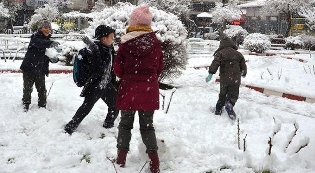 Adıyaman ve Kahramanmaraş'ta eğitime kar engeli