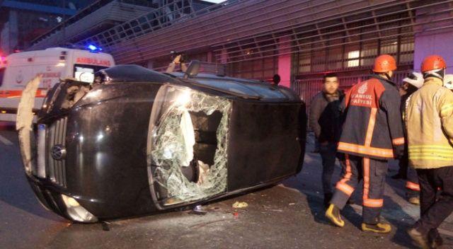Beyoğlu'nda kaldırıma çarpan araç takla attı