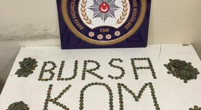 Bursa'da polisin durdurduğu araçtan 670 sikke çıktı