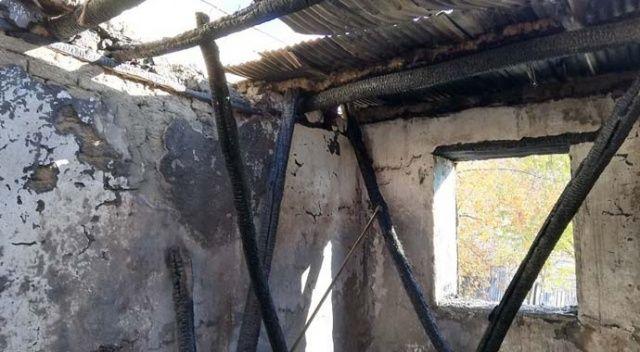 Elazığ'daki yangında 1 ev kül oldu