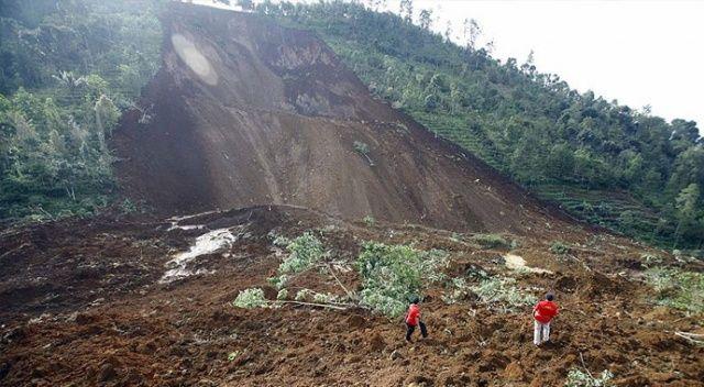 Endonezya'da heyelan: 7 ölü, 9 yaralı
