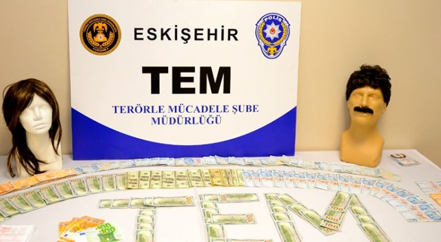 Eskişehir'de terör örgütü üyelerine hücre evinde baskın