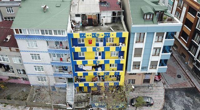 Fanatikliğin böylesi! Binasını sarı laciverde boyattı