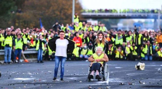 Fransadaki gösteriler nedeniyle 43 bin kişi işsiz kaldı 8
