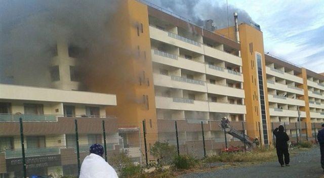 Hatay'daki otel yangınında 20 kişi dumandan zehirlendi