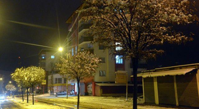 Kahramanmaraş'ta kar yağışı, okula bir gün ara verildi