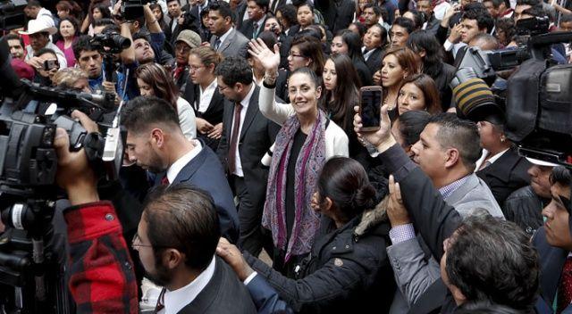 Meksiko'nun ilk kadın belediye başkanı görevine başladı