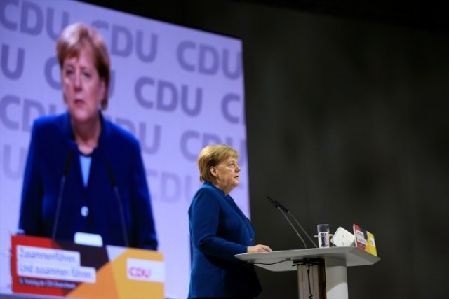 Merkel veda etti