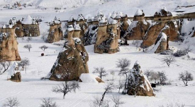 Nevşehir güne karla uyandı