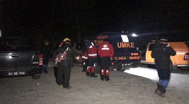 Niğde'de çığ altında kalan 2 dağcıdan biri kurtarıldı