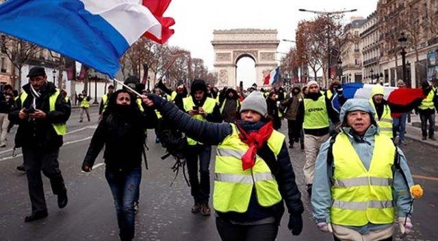 Sarı yelekliler sokağa çıktı, müdahale başladı: 72 gözaltı var
