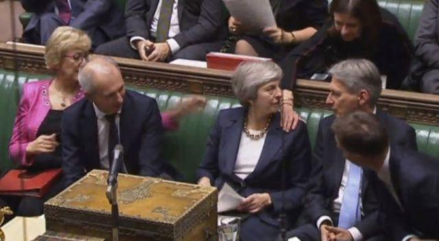 Parlamento Brexit'te son sözü hükümete bırakmadı