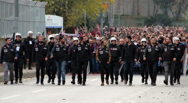 Trabzonspor taraftarı, Vodafone Park'a geldi