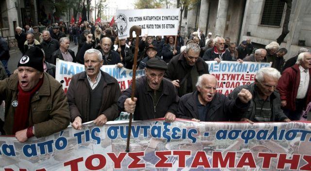 Yunanistan'da emeklilerden maaş protestosu