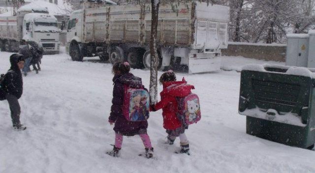Balıkesir ve Bilecik'te eğitime kar engeli