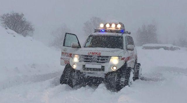 Bingöl'de kar geçit vermedi: Hastaya 2 saatte ulaşıldı
