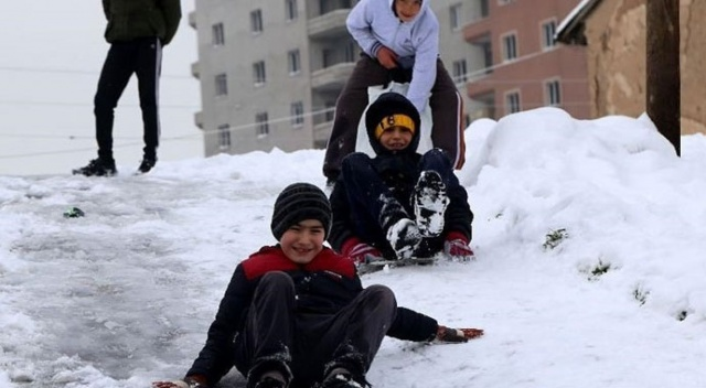 Bursa Büyükorhan'da okullar tatil edildi