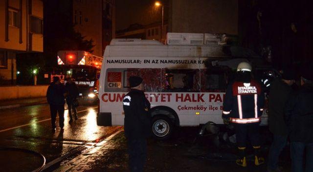 Çekmeköy'de CHP'nin seçim aracı yandı