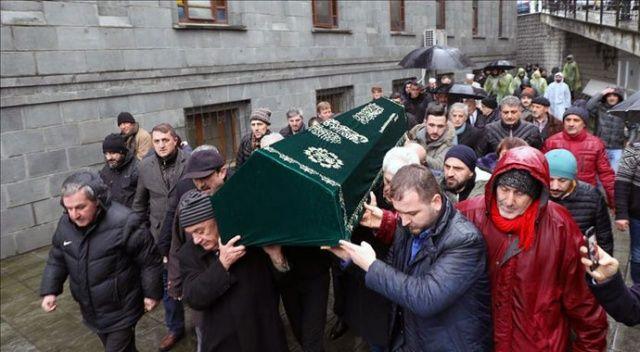 Cumhurbaşkanı Erdoğan'ın dayısının cenazesi toprağa verildi