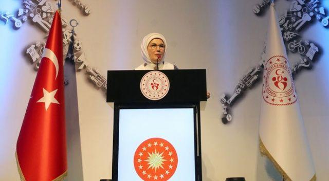 Emine Erdoğan'dan gençlere tavsiye