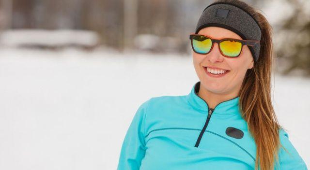 Güneş gözlüğünü karda da takın!