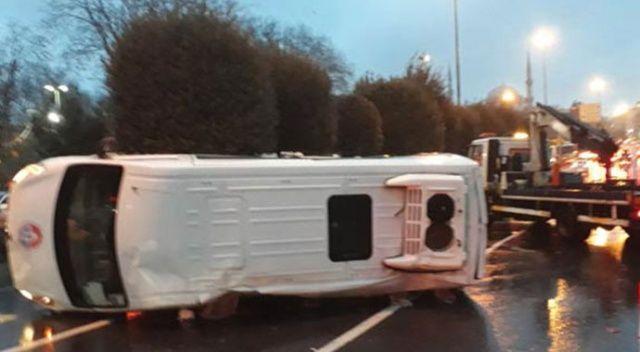 İstanbul'da feci kaza! Servis aracı ile kamyonet çarpıştı