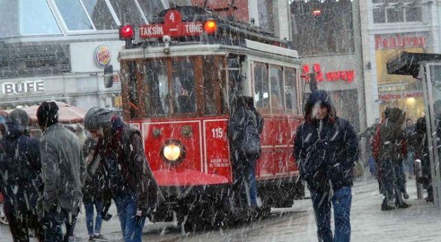 İstanbullulara iş çıkışı kar sürprizi