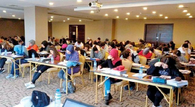 Kampa giren İhlas Koleji  öğrencileri sınava hazır