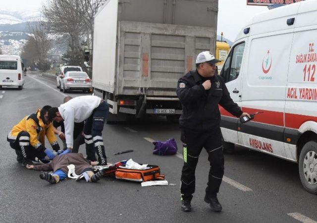 Kütahya'da kamyonun çarptığı kadın öldü