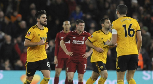 Liverpool'dan kupaya erken veda