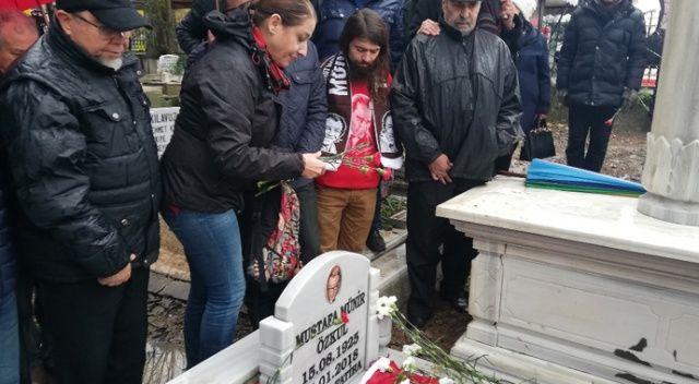 Münir Özkul mezarı başında anıldı