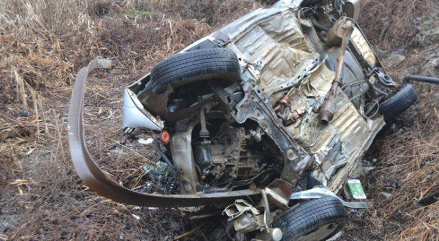 Otomobil dere yatağına düştü: 2 ölü