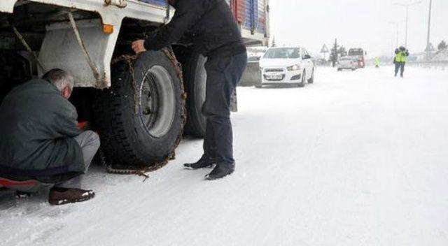 Tatvan'da ağır vasıtaların zincirsiz yola çıkması yasaklandı