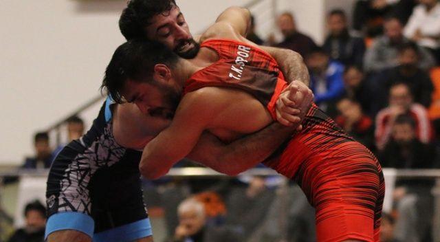 Türkiye Büyükler Serbest Güreş Şampiyonası'nda finalistler belli oldu