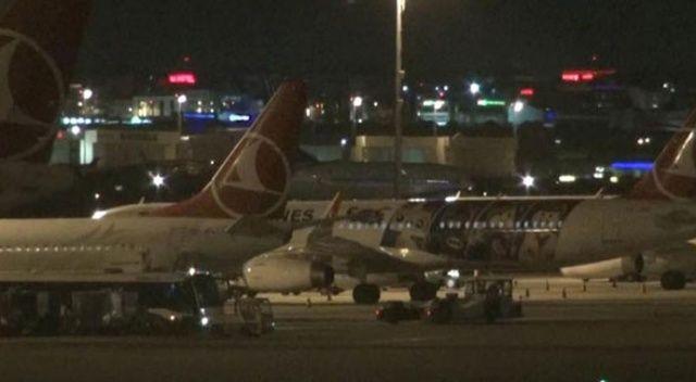 Uçağın lastiği patladı, pist iniş trafiğine kapatıldı