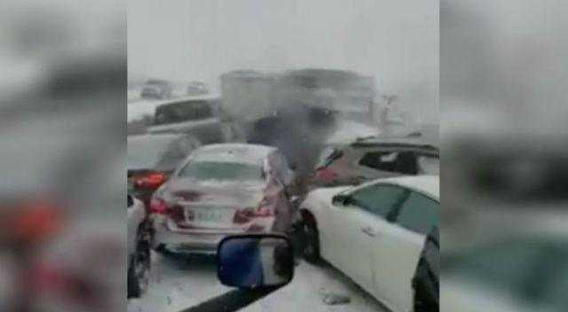 ABD'de otoyolda buzlanma: 50'ye yakın araç birbirine girdi, 1 ölü