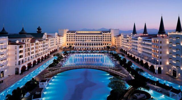Altın kaplamalı otel yeniden açılıyor